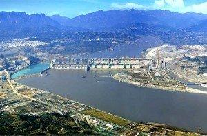839778-le-barrage-des-trois-gorges-sur-le-fleuve-yangtze